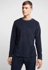 Lacoste - LONG SLEEVE CREWNECK - Camiseta de pijama - navy - 0