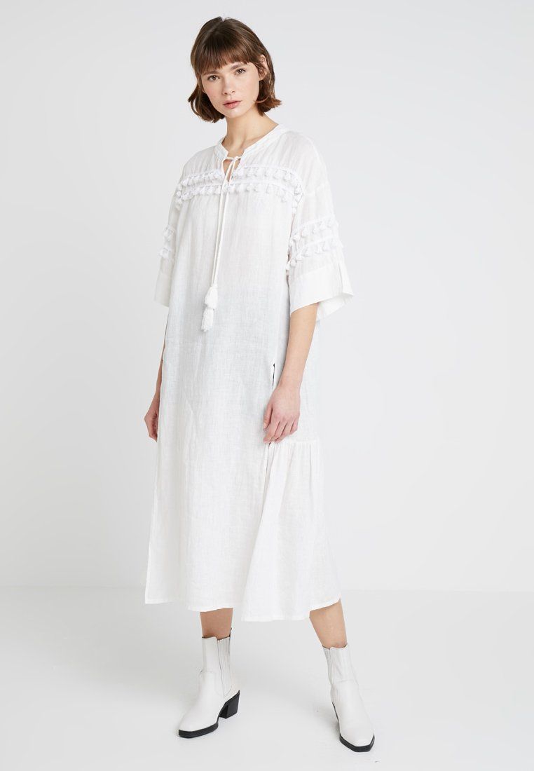 Levi's® Made & Crafted - TASSEL DRESS - Maxikleid - bright white