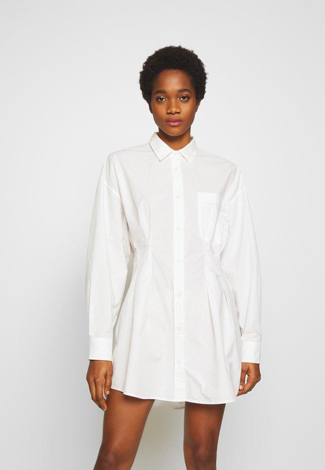 DAD SHIRT DRESS - Skjortklänning - bright white