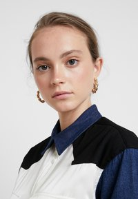 Levi's® Made & Crafted - WESTERN MIX UP TOP - Skjorta - pristine - 3