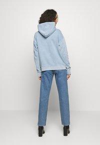 Levi's® Made & Crafted - THE HOODIE - Bluza z kapturem - copen blue wash - 2