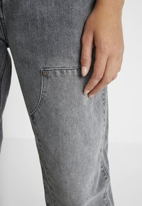 Levi's® Made & Crafted - LMC BARREL - Straight leg jeans - men at work - 4