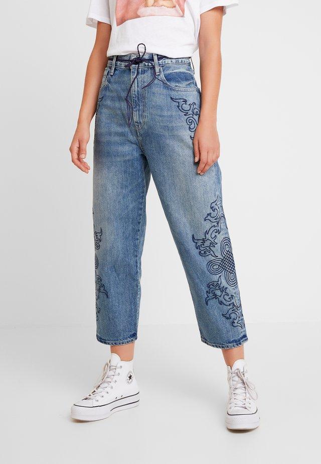 LMC BARREL - Jeans Straight Leg - lmc blue soutache