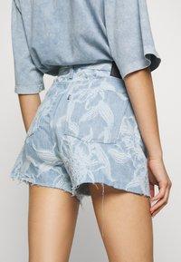 Levi's® Made & Crafted - CINCHED TAB - Denim shorts - light blue denim - 5