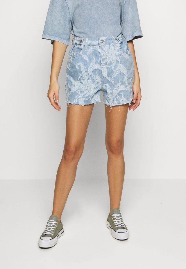 CINCHED TAB - Denim shorts - light blue denim
