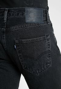 Levi's® Made & Crafted - 501® LEVI'S®ORIGINAL FIT - Jeans a sigaretta - black stonewash - 5