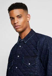 Levi's® Made & Crafted - QUILTED WESTERN - Farkkutakki - lmc outback - 4