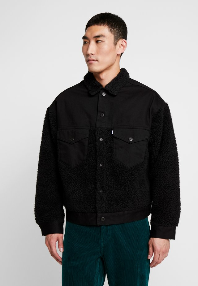 LMC OVRSIZED SHERPA - Denim jacket - ivan black