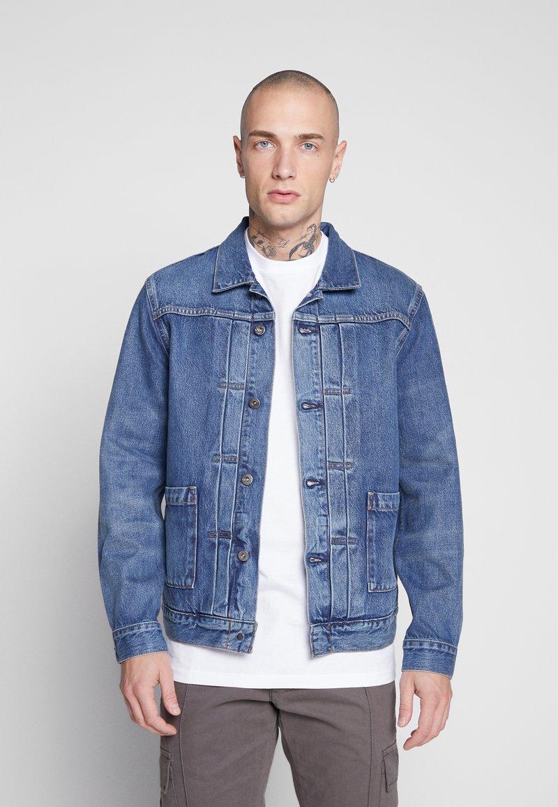 Levi's® Made & Crafted - TYPE WORN TRUCKER - Džínová bunda - blue denim
