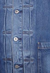 Levi's® Made & Crafted - TYPE WORN TRUCKER - Džínová bunda - blue denim - 6