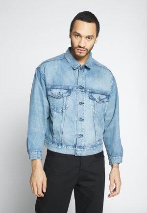 OVERSIZED - Jeansjakke - timmer