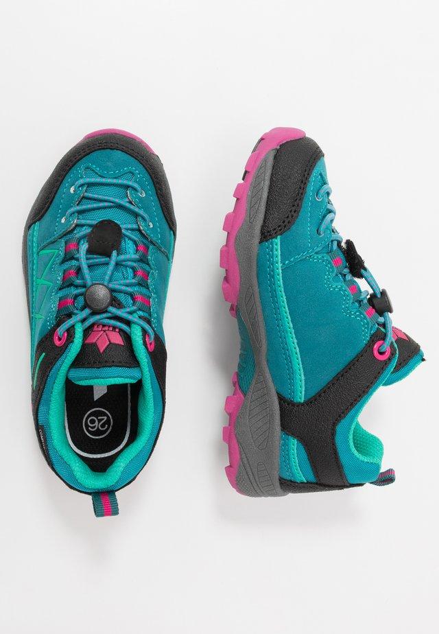 GRIFFIN - Sneaker low - petrol/schwarz/pink