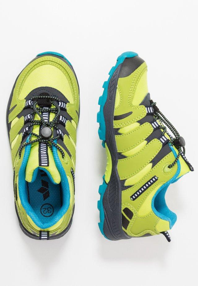OUTDOORSCHUH FREMONT - Sneaker low - gelb
