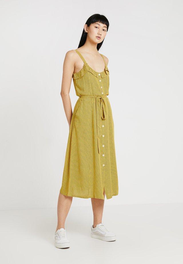 RICARDO DOTS - Skjortklänning - yellow
