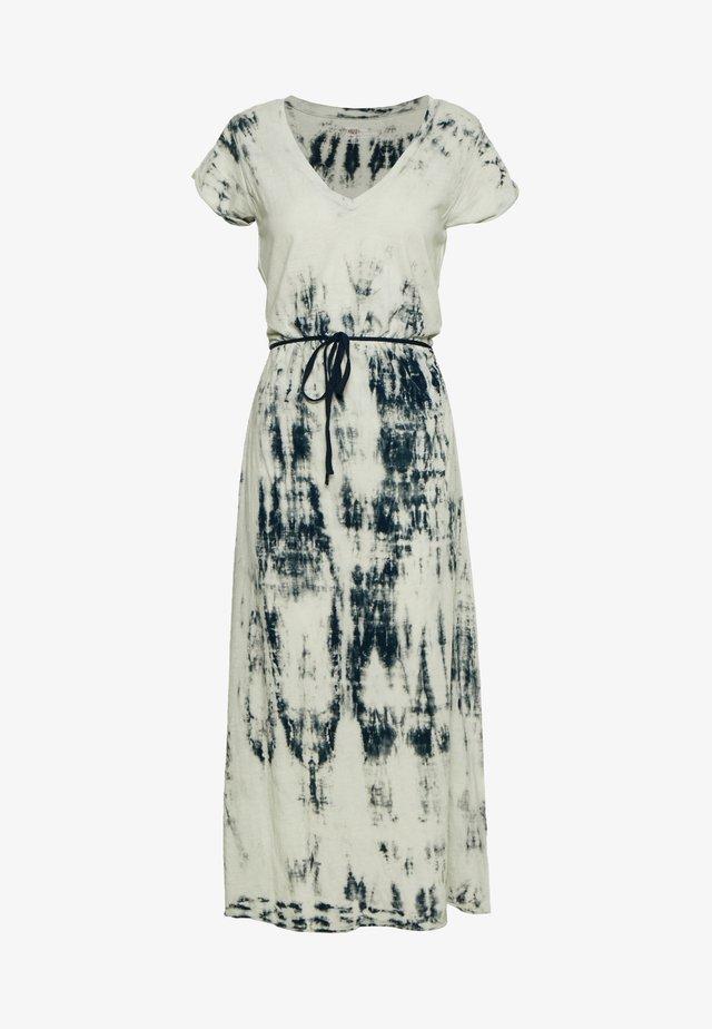 REINNA - Day dress - sable