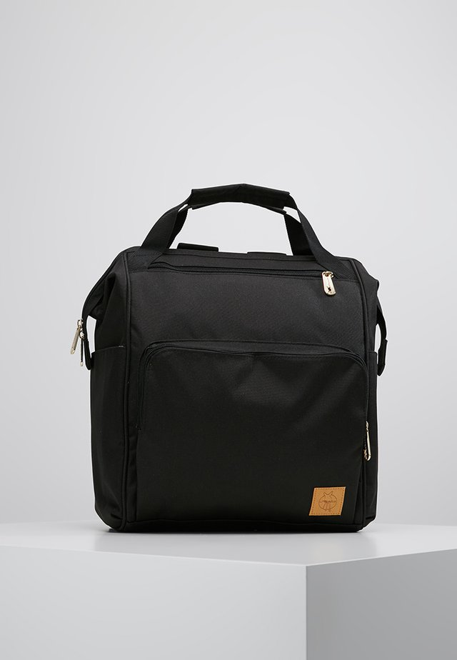 GOLDIE BACKPACK - Wickeltasche - black