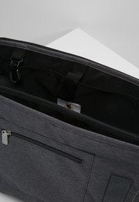Lässig - MESSENGER BAG TRIANGLE - Tasker - dark grey - 4