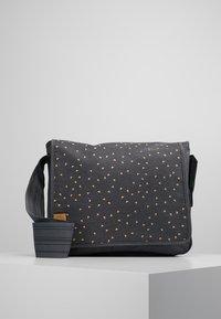 Lässig - MESSENGER BAG TRIANGLE - Tasker - dark grey - 0