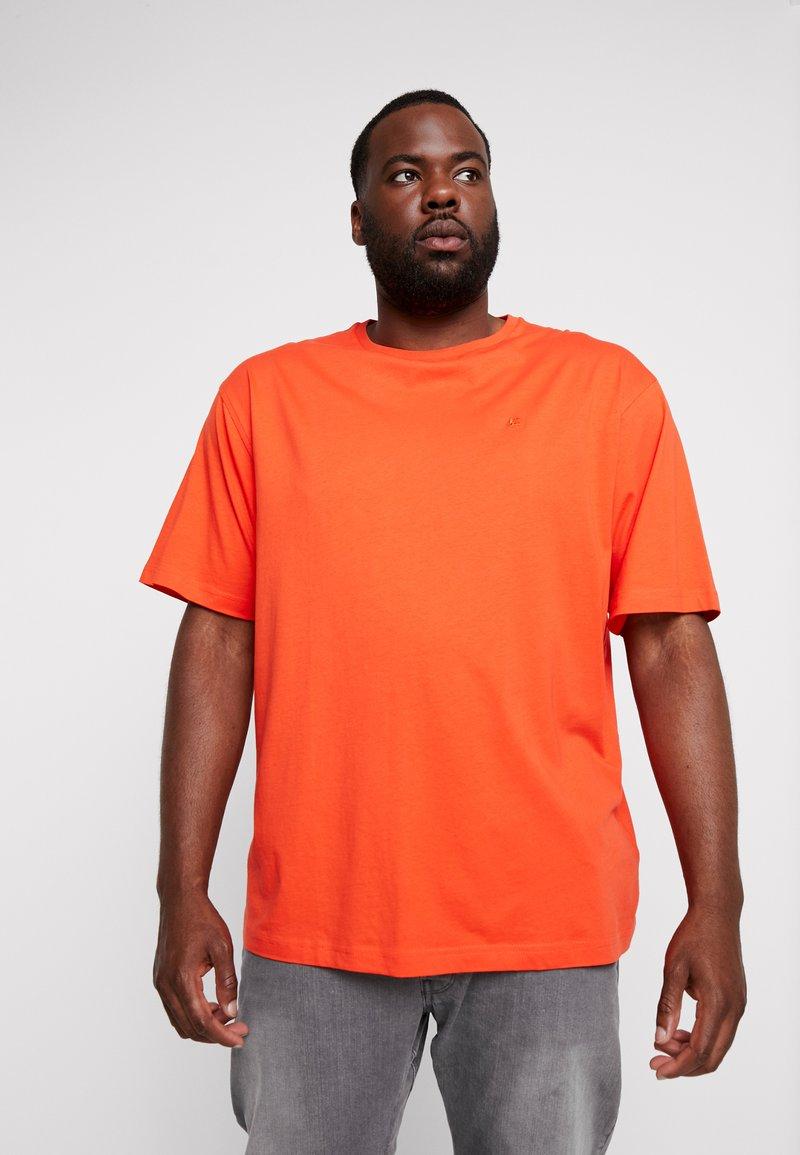 LERROS - UEBERGROESSE - T-Shirt basic - sharp orange