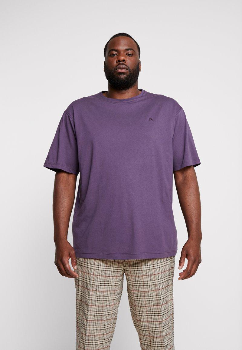 LERROS - UEBERGROESSE - Basic T-shirt - autumn grape