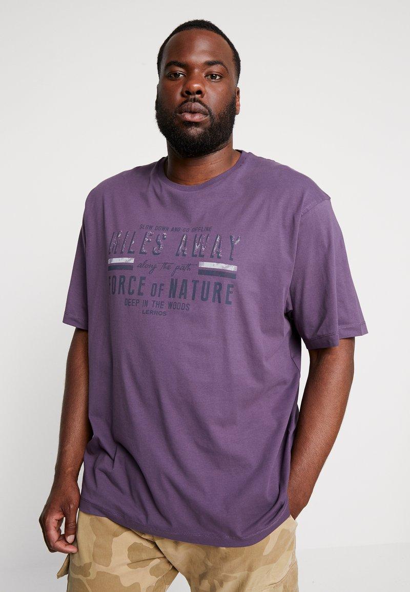 LERROS - O-NECK - Print T-shirt - autumn grape