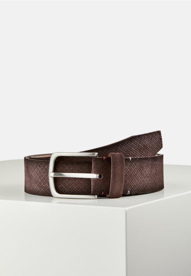 MIT LOCHPRÄGUNG - Belt - dark brown