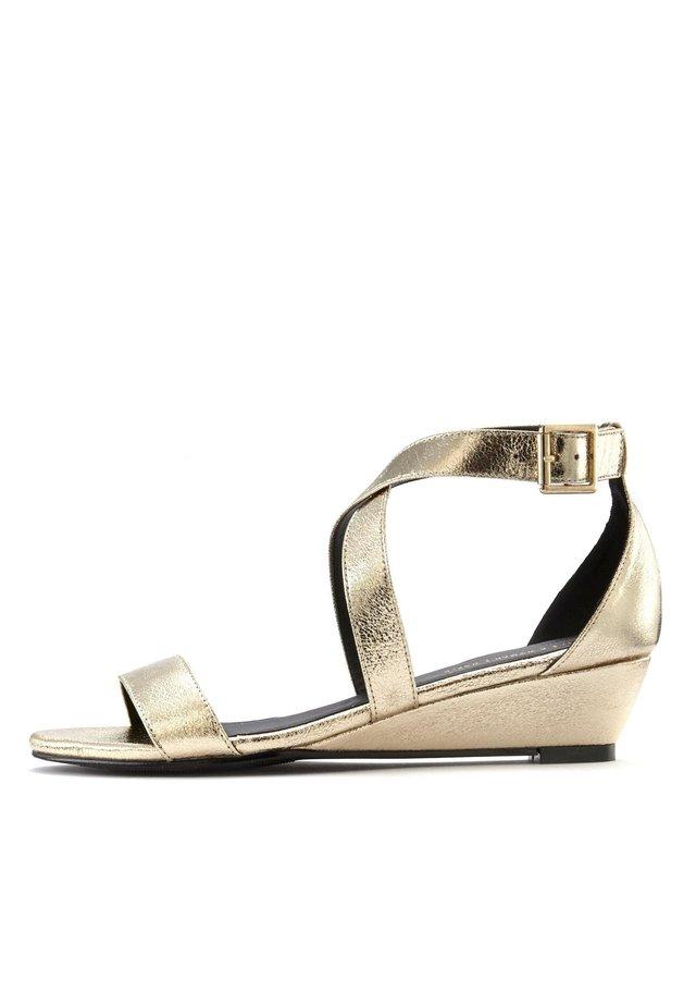 Wedge sandals - goldfarben