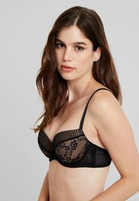 LASCANA - PLISSEE BRA - Push-up BH - black