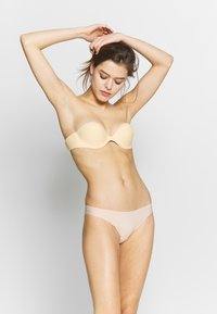 LASCANA - STICK ON BRA WITH WINGS - Multiway / Strapless bra - skin - 1