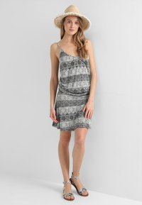 LASCANA - GISELLE BEACHDRESS - Jersey dress - schwarz/crem - 0
