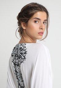 Buffalo - Strand accessories - weiß/schwarz - 4