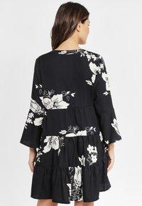 LASCANA - Shirt dress - black/cream - 2
