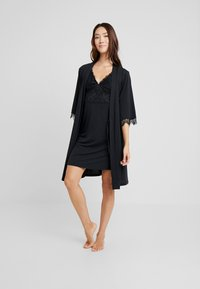 LASCANA - LUXURIOUS NIGHTS KIMONO - Dressing gown - black - 1