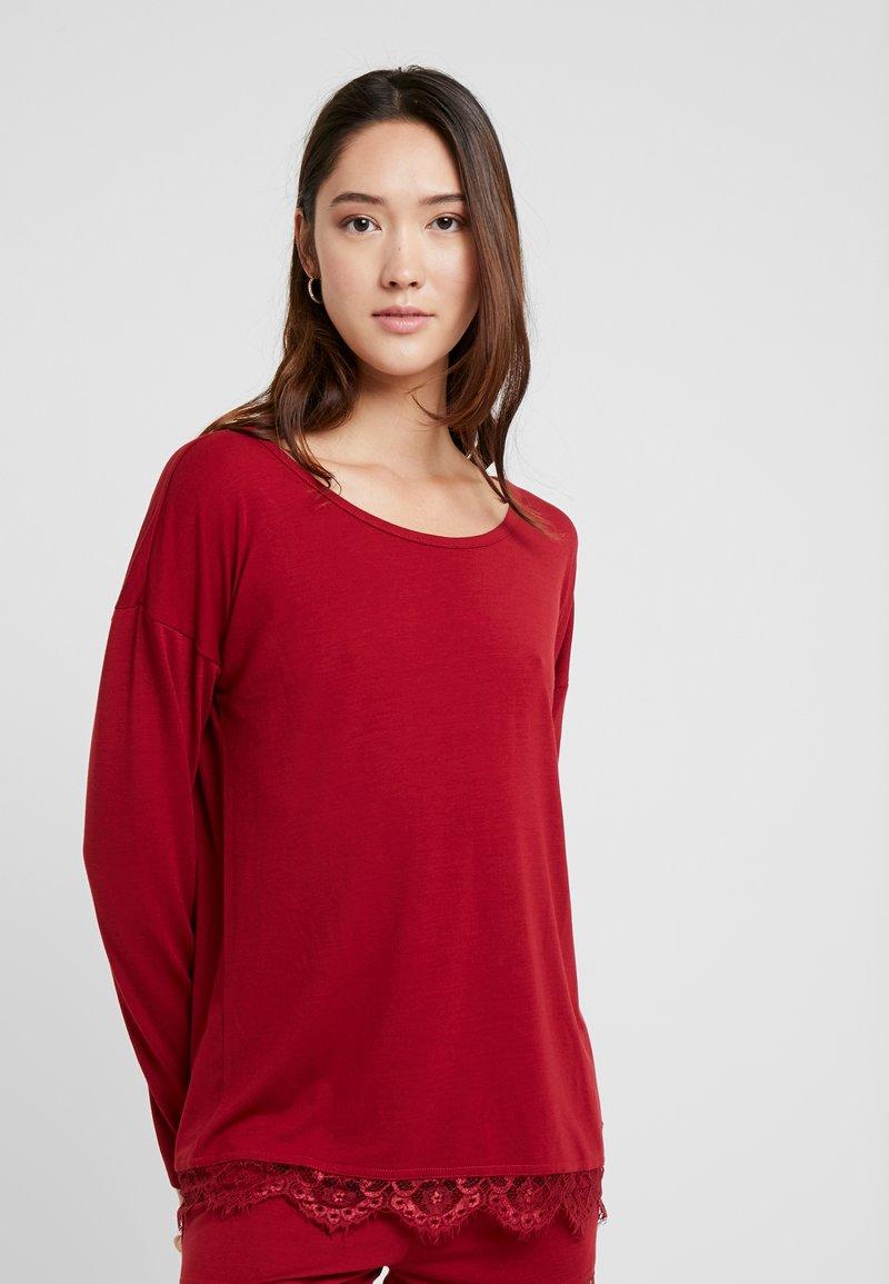 LASCANA - LUXURIOUS NIGHTS LONGSLEEVE - Pyjama top - red