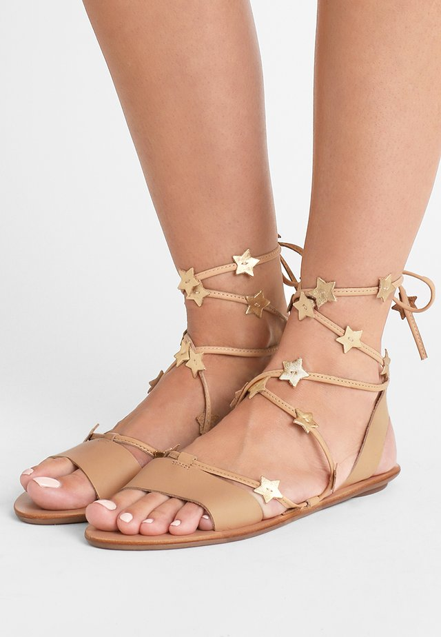 STARLA - Sandales - wheat/gold