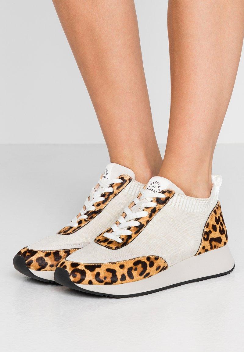 Loeffler Randall - REMI - Sneakers basse - offwhite