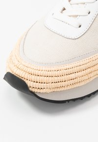 Loeffler Randall - REMI - Sneakers basse - offwhite/grey - 2