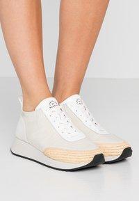 Loeffler Randall - REMI - Sneakers basse - offwhite/grey - 0