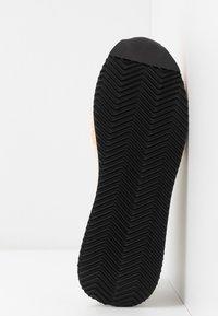 Loeffler Randall - REMI - Sneakers basse - offwhite/grey - 6