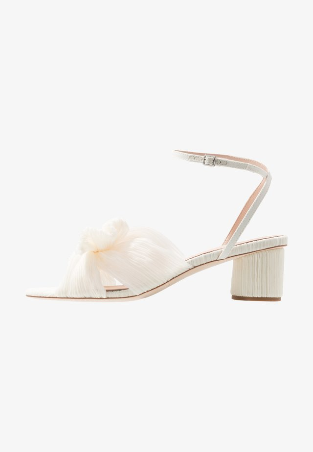 DAHLIA KNOT MULE WITH ANKLE STRAP - Brautschuh - white