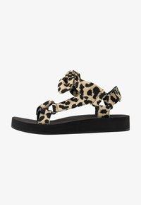 Loeffler Randall - MAISIE SPORT  - Sandály na platformě - beige - 1