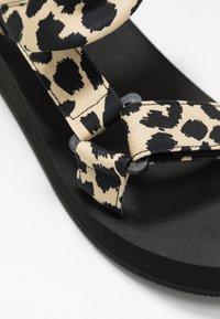 Loeffler Randall - MAISIE SPORT  - Sandály na platformě - beige - 2