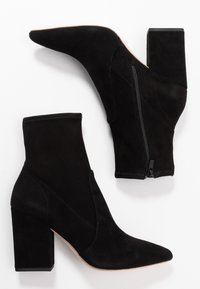 Loeffler Randall - ISLA SLIM WITH CHUNKY HEEL - Bottines à talons hauts - black - 3