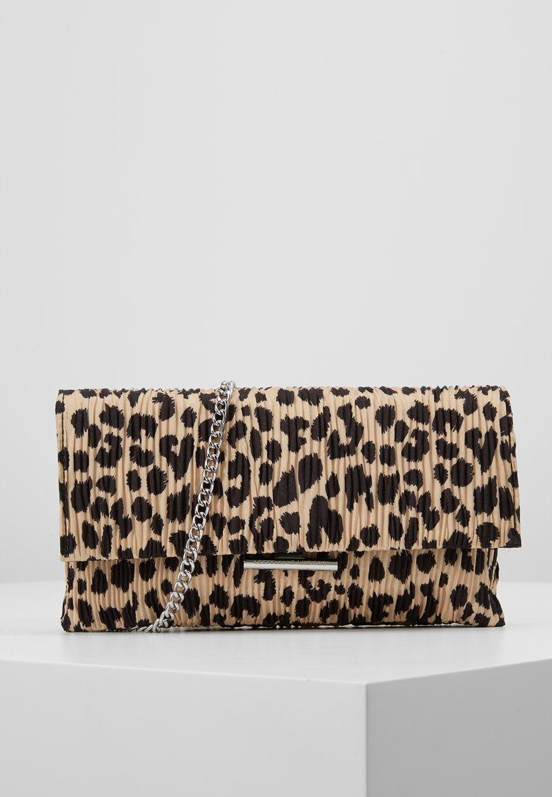 Loeffler Randall - TAB CLUTCH - Clutch - leopard