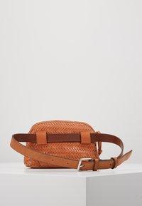 Loeffler Randall - BELT BAG - Marsupio - timber brown - 2