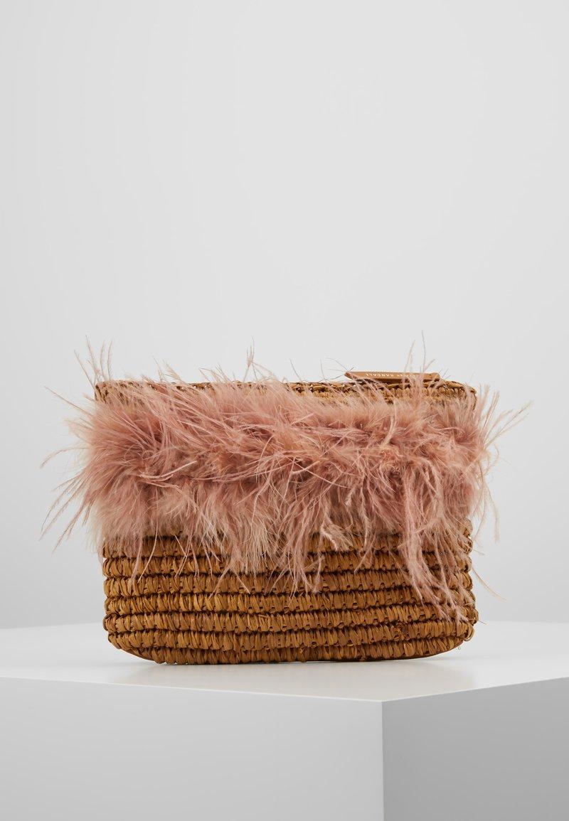 Loeffler Randall - POUCH - Clutch - miel/buff pink