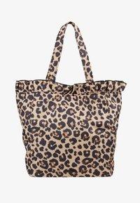 Loeffler Randall - ROXANA LARGE TOTE - Shopping Bag - camel - 6