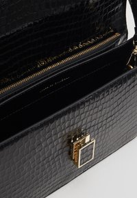 Loeffler Randall - KATALINA SHOULDER BAG - Kabelka - black - 3