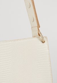 Loeffler Randall - CAROLINE TWISTED RING - Handbag - cream - 3