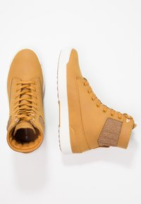 Lacoste - EXPLORATEUR CAW - Sneaker high - tan/offwhite - 3